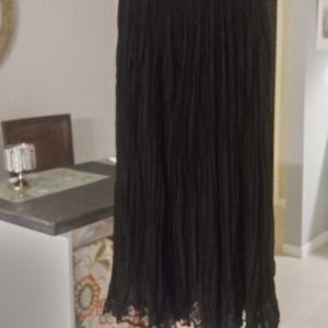 Chico's Size 0 Long Flowy Crepe Skirt.